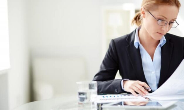 What should you look for in a business analyst training course?
